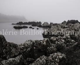 Brouillard a l'Escala, rochers, eau soyeuse, rocks, silky water, mist a l'Escala, paysage de mer, paysage de plage, sea landscape, beach landscape